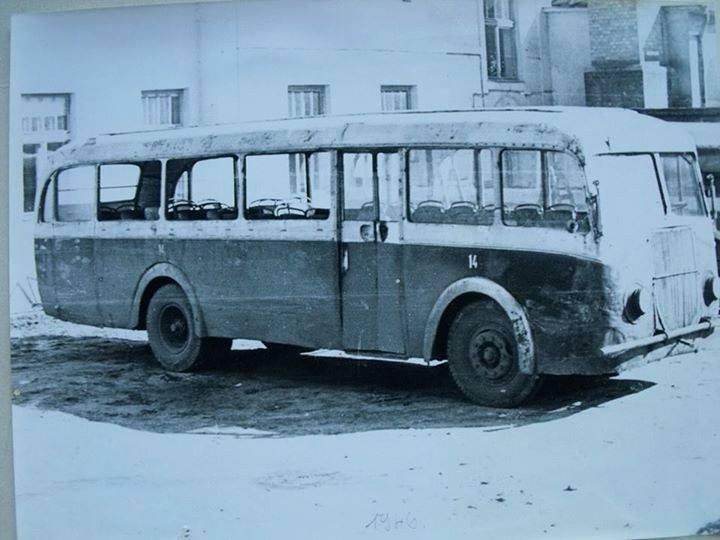 Az első busz felújítás előtt. Krisztián Tamás – Régi Pécs